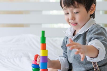 Çocuklarda erken yaşta oynayarak öğrenme